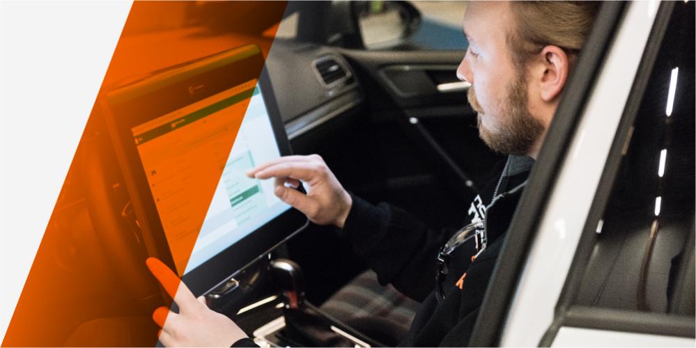 Originalservice med 1 års kostnadsfri vägassistansförsäkring. Nybilsgarantin fortsätter att gälla!